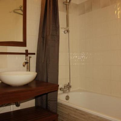 salle de bain-douche du Tanzanien